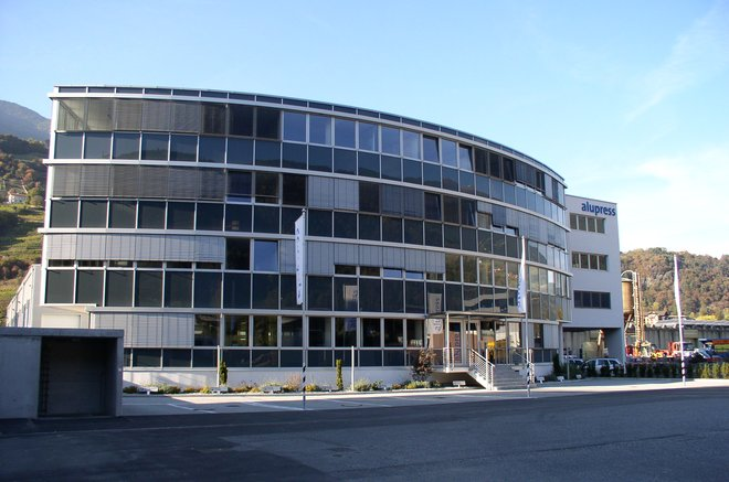 Administration building for the Alupress company