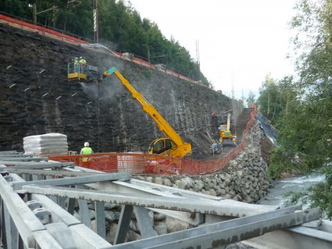 Installation of noise-protection walls along the Verona - Brenner railway at Maibad
