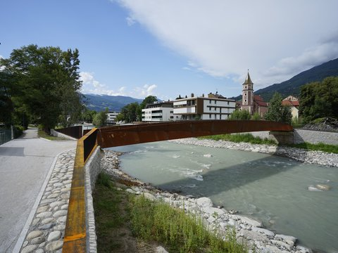 """City-Country-River: The Eisack-Brixen river region""- Flood protection"