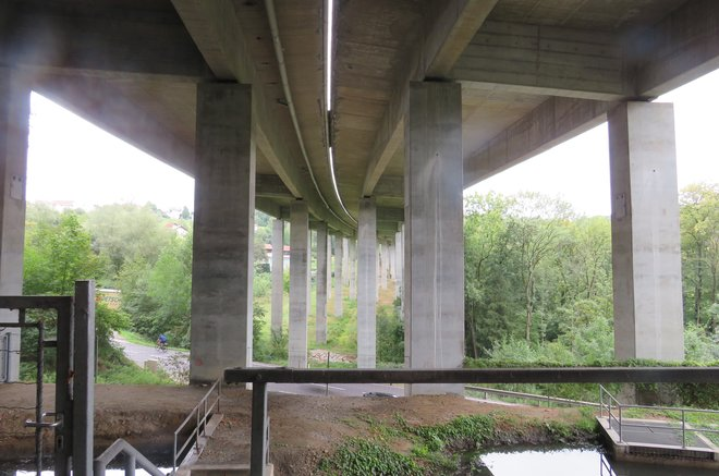 A07 Valley bridge, Treffling